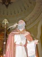 Statua di S. Gregorio Magno, nel giorno della festa all'interno del santuario della Madonna della Vena.  - Piedimonte etneo (3475 clic)