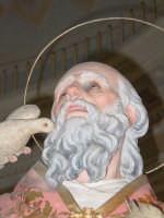 Statua di S. Gregorio Magno, nel giorno della festa all'interno del santuario della Madonna della Vena.  - Piedimonte etneo (3266 clic)