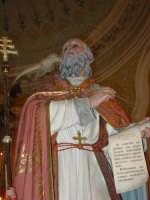 Statua di S. Gregorio Magno, nel giorno della festa all'interno del santuario della Madonna della Vena.  - Piedimonte etneo (3439 clic)