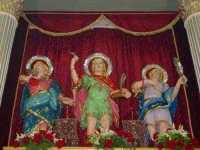 I santi martiri Alfio, Filadelfo e Cirino sull'altare maggiore nel giorno della festa ( prima domenica di maggio ).   - Sant'alfio (3625 clic)