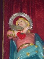 I santi martiri Alfio, Filadelfo e Cirino sull'altare maggiore nel giorno della festa ( prima domenica di maggio ), particolare della statua di S.Filadelfo.  - Sant'alfio (3405 clic)