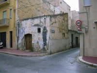 Per le vie di Alcamo: antica casa  - Alcamo (5605 clic)
