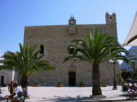 Il Santuario ( chiesa fortezza ) dedicata a San Vito Martire.  - San vito lo capo (1469 clic)