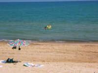 Una giornata  rinfrescante al mare  - Alcamo (1238 clic)