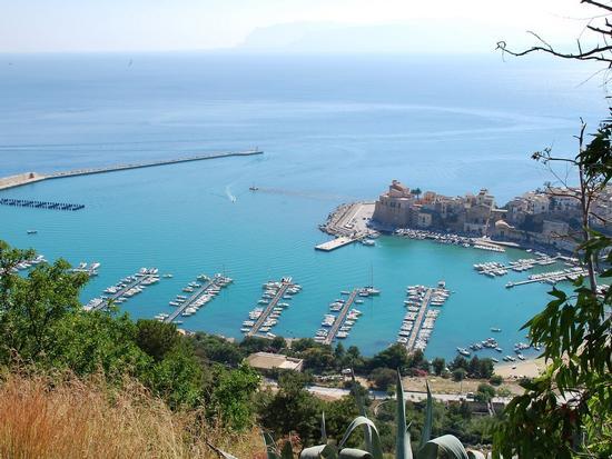 Per le vie di Castellammare del Golfo - CASTELLAMMARE DEL GOLFO - inserita il 01-Aug-18