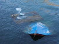 Barca affondata  - Castellammare del golfo (2391 clic)