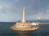 Madonnina sullo stretto   - Messina (3580 clic)