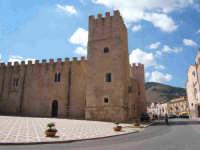 Castello dei Conti di Modica   - Alcamo (1430 clic)