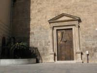Portale della chiesa di S. Oliva che da sulla piazza Ciullo  - Alcamo (738 clic)