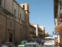Corso VI Aprile, a sx la chiesa di S. Oliva   - Alcamo (923 clic)