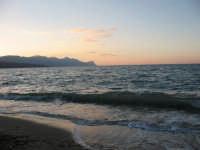 Spiaggia di Castellammare al tramonto  - Castellammare del golfo (627 clic)