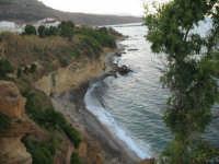 Dalla costa, vedere il mare   - Castellammare del golfo (602 clic)