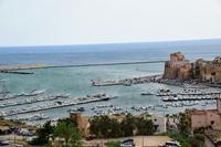 Per le vie di Castellammare del Golfo (381 clic)