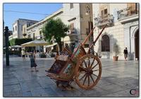 Carretto Carretto Siciliano in  mostra in Piazza Ciullo.    http://www.fiorinsetti.tk  - Alcamo (300 clic)