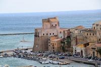 Per le vie di Castellammare del Golfo (369 clic)