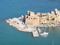 Per le vie di Castellammare del Golfo (672 clic)