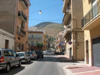 Via S.S. Salvatore, quardando il monte Bonifato  - Alcamo (749 clic)
