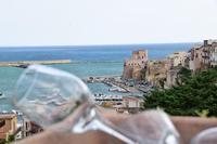 Per le vie di Castellammare del Golfo (356 clic)