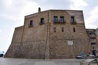 Per le vie di Castellammare del Golfo (367 clic)