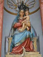 Dentro la chiesa di San Oliva  (420 clic)