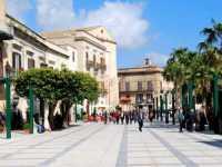 Piazza Ciullo  - Alcamo (2258 clic)