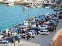 Per le vie di Castellammare del Golfo: al porto  - Castellammare del golfo (1436 clic)
