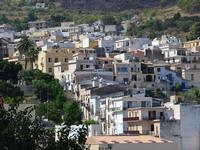 Per le vie di Castellammare   - Castellammare del golfo (172 clic)