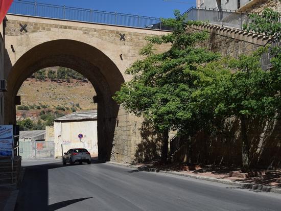 Per le vie di Castellammare - CASTELLAMMARE DEL GOLFO - inserita il 15-Mar-18