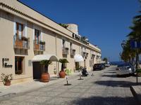 Per le vie di Castellammare   - Castellammare del golfo (134 clic)