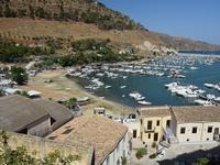 Per le vie di Castellammare   - Castellammare del golfo (190 clic)