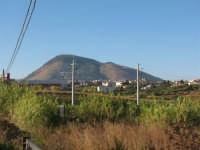 Guardando, il monte Bonifato   - Alcamo (794 clic)