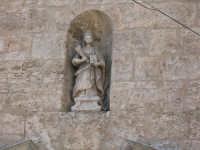 Statuetta di S. Oliva situata sopra il portale della chiesa   - Alcamo (953 clic)