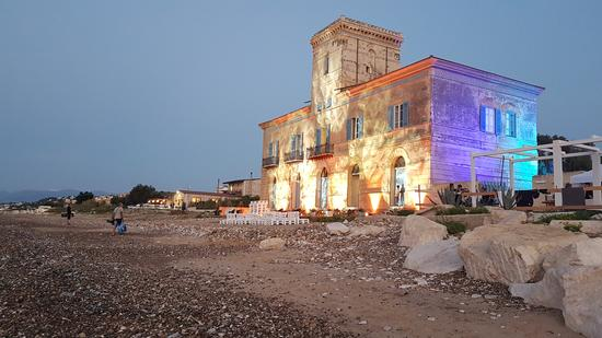 Per le vie di Castellammare - CASTELLAMMARE DEL GOLFO - inserita il 19-Mar-19