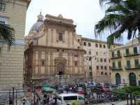 Per le vie di Palermo  - Palermo (3097 clic)