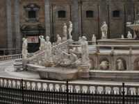 Per le vie di Palermo  - Palermo (3116 clic)