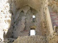All'nterno della torre: castello Ventimiglia sul monte Bonifato    - Alcamo (1105 clic)