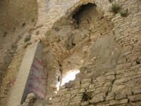 All'nterno della torre: castello Ventimiglia sul monte Bonifato    - Alcamo (810 clic)