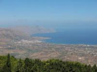 Panoramica; dal monte Bonifato con in lontananza il golfo di Castellammare   - Alcamo (709 clic)