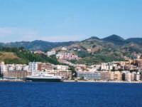 Messina vista dal traghetto  - Messina (3665 clic)
