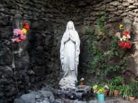 Statua della Madonna di Lourdes nella villa Bellini  - Catania (5549 clic)