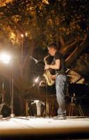 il musicista Cafiso in concerto al cheese art 2006  - Donnafugata (2006 clic)