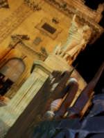 SANTUNI (una delle statue posta sulla scalinata di S.Pietro)    - Modica (3579 clic)