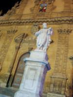 SANTUNI (una delle statue posta sulla scalinata di S.Pietro)    - Modica (3335 clic)