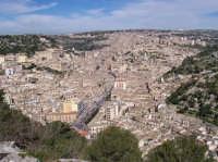 vista panoramica su modica da monserrato (5904 clic)