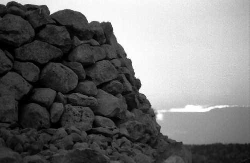 muragghiu (muro in pietra locale) - MODICA - inserita il