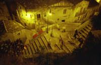 spettacolo canto della terra che gira-agosto 2002 spettacolo canto della terra che gira-agosto 2002  - Modica (3771 clic)