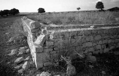 Aia (terrazzamento in pietra locale dove si raggruppava e si puliva grano con l'aiuto del vento) - MODICA - inserita il