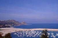 Vista del porto con la spiaggia di S.Gregorio  - Capo d'orlando (12721 clic)