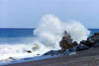 Mare in tempesta  - Mongiove (9579 clic)