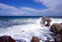Mare in tempesta  - Mongiove (48221 clic)